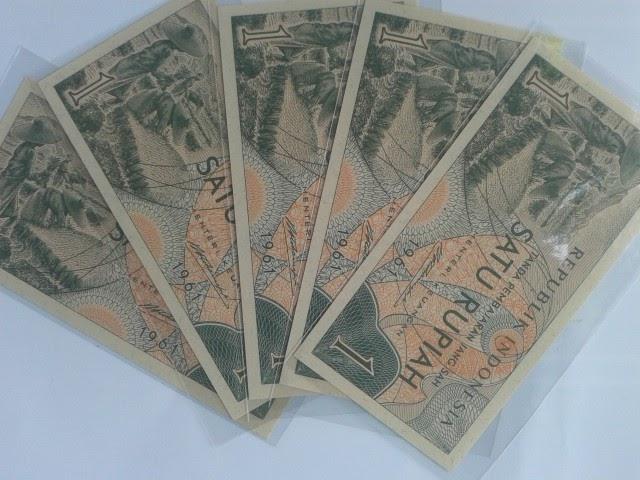 Uang Lama 1 Rupiah Gambar Seri Sandang Pangan Tahun Emisi 1961