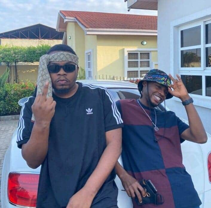 "[Gist] Veteran artist ""Dami david"" spotted with olamide, are we expecting a collaboration? #Arewapublisize"