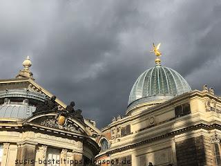 Lichtspiel in der Dresdner Altstadt bei heraufziehendem Gewitter
