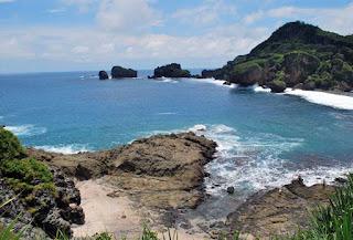 Pesona Pantai Siung Yogyakarta