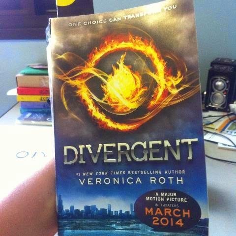 Capa do livro Divergent, Veronica Roth