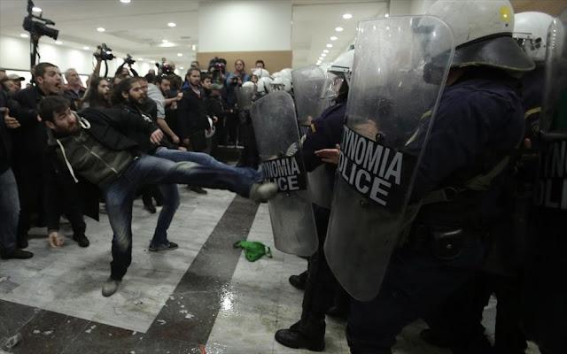 Αστυνομικοί σε κυβέρνηση για πλειστηριασμούς: «Αφού δεν μας σέβονται, ήρθε η ώρα να μας φοβηθούν»