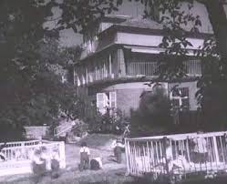 casa cuna calle loczy
