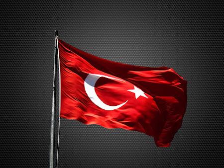 Masaüstü Türk Bayrağı Güzelmekan