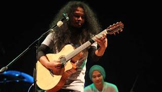 Download Kunci Gitar Payung Teduh – Cerita Tentang Gunung dan Laut