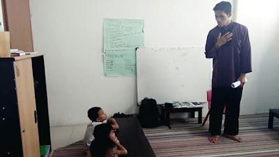 mengajar tahfidz anak di kelas