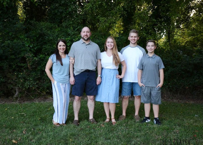 Take family photos yourself to make it much easier on you and your family