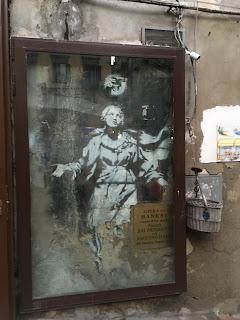 Fotografia_Abuelohara_Madonna_Banksy