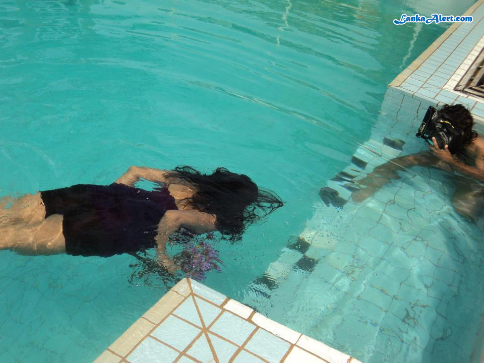 Underwater photo shoot with Udari Warnakulasooriya Udari Warnakulasooriya Bikini With Underwater