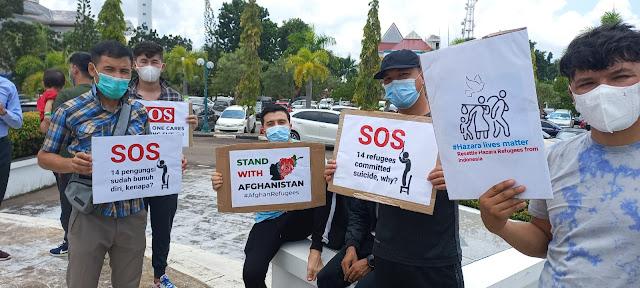 Puluhan Pencari Suaka Mendatangi Kantor DPRD Kota Batam
