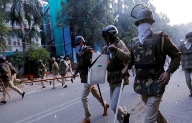 20 Orang Tewas akibat Bentrokan Menentang Undang-Undang kewarganegaraan di New Delhi