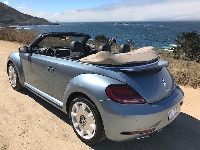 Rear 3/4 view of 2019 Volkswagen Beetle Final Edition Cabrio