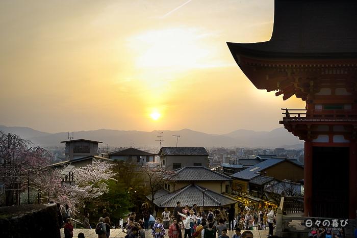 vue sur l'horizon au crepuscule, kiyomizu-dera, kyoto