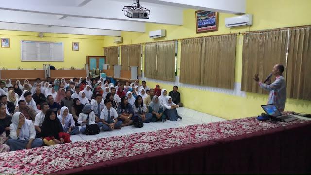 seminar SMAN 110 kelas XII tahun 2019
