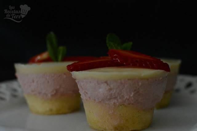 Receta casera de tarta mousse de fresas y panna cota de vainilla 04