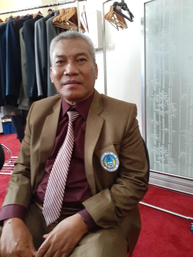 PENGAJAR SEPAK BOLA UNIPA, DOKTOR ABD KHOLID MPD  :PELATIH ASING TIDAK MENGERTI CULTURAL KARAKTER PESEPAK BOLA INDONESIA