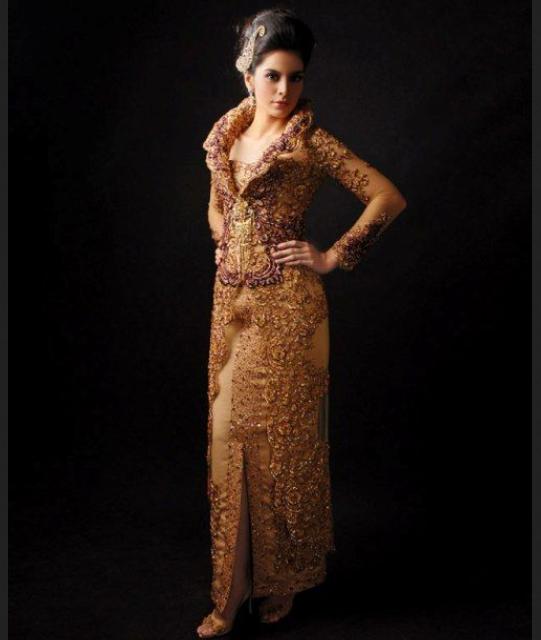 Kebaya modern-victorian style
