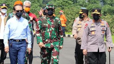 Rakyat Sudah Kecewa, Relawan Jokowi Minta Penanganan Covid-19 Diserahkan Ke TNI-Polri