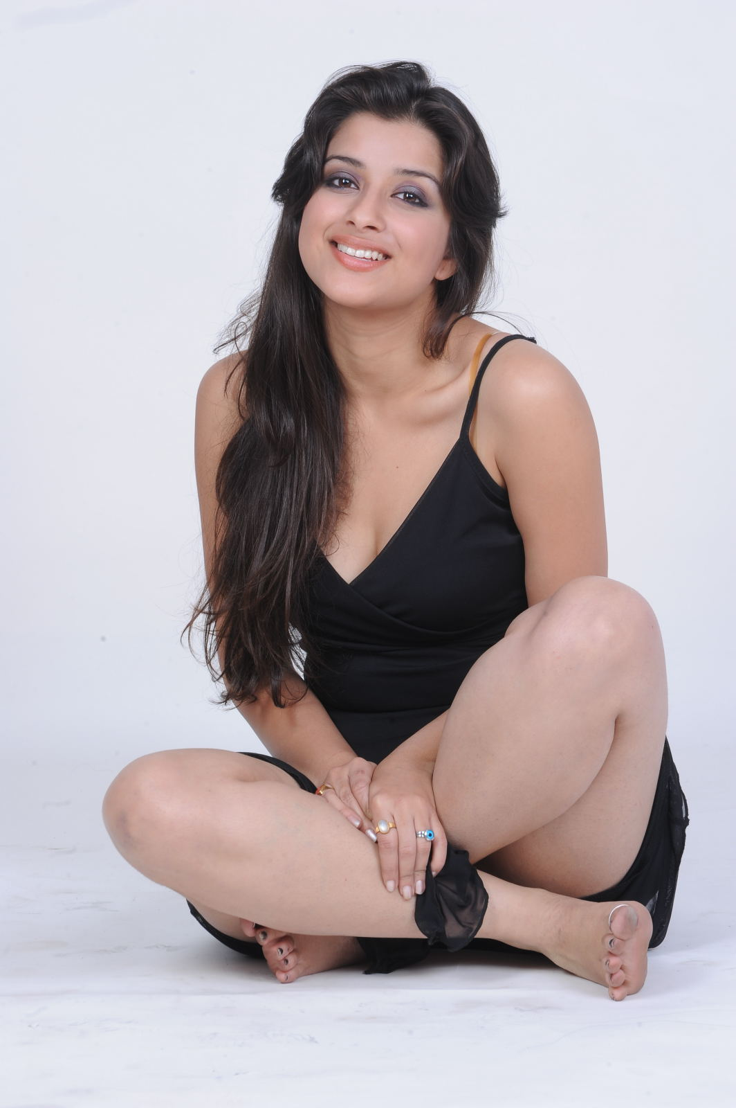 Madhurima Hot Thighs Upskirt Spicy Photoshoot Stills