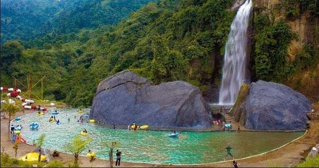 Keindahan Wisata air terjun di Lampung dan Harga tiket masuk