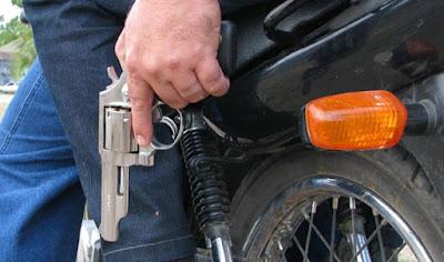 Resultado de imagem para assalto de moto