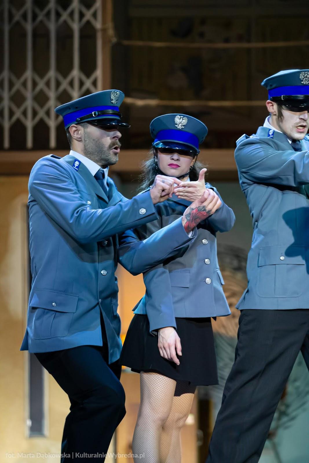musical Kapitan Żbik i Żółty Saturator Teatr Syrena zdjęcia Dariusz Kowalewski