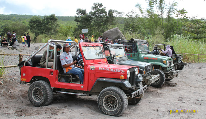 Jeep Lava Tour Merapi Yogyakarta