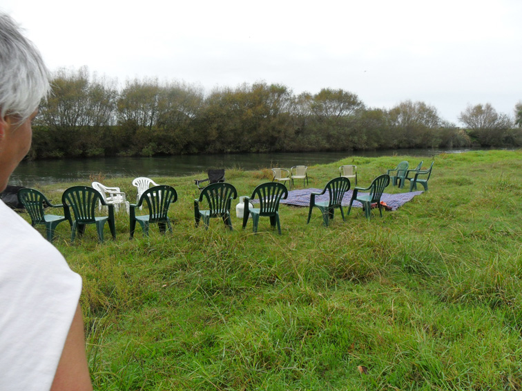 picnic near riverside Riverside picnic grounds the picnic grounds are a private area alongside the river thames open to visitors to our touring park and our holiday park customers.