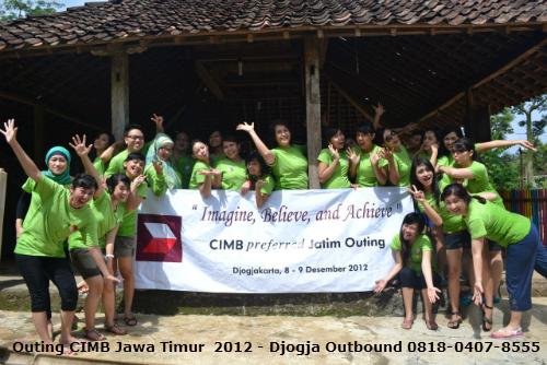 gambar dari program outing kantor di Jogja