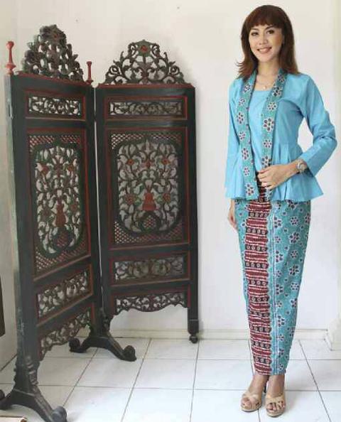 model baju rok blus batik