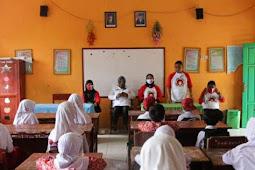 BPKKP Maluku Utara Salurkan 3.650 Masker di Berbagai Sekolah