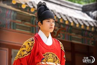 lee yi kyung hotel de luna
