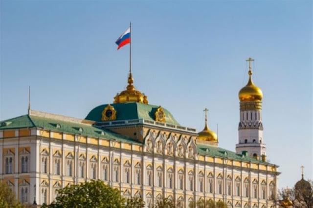 Στις φλόγες τυλίγεται η «αυλή» της Ρωσίας