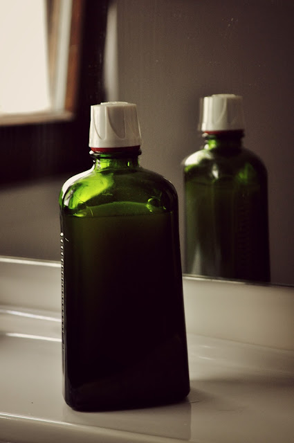 http://thewastedblog.com/2015/06/how-to-make-your-own-shampoo.html