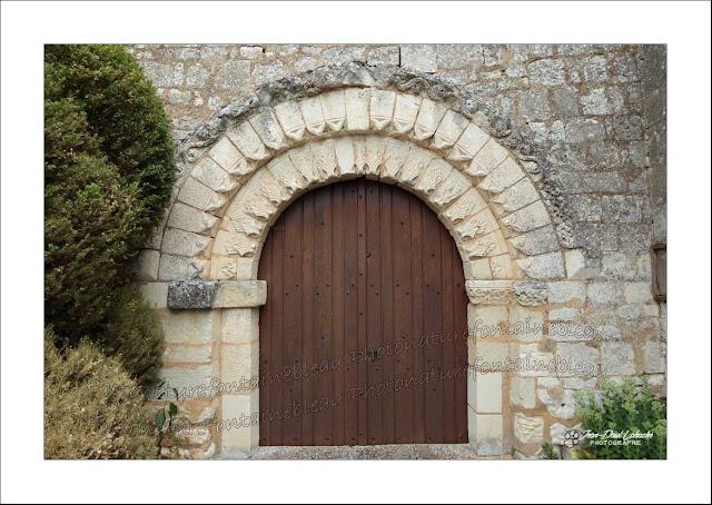 le portail de l'eglise de raslay