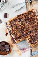 Mazurek z czekoladą i bezą