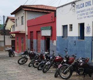 Polícia conduz suspeitos por crimes de trânsito em Maiquinique
