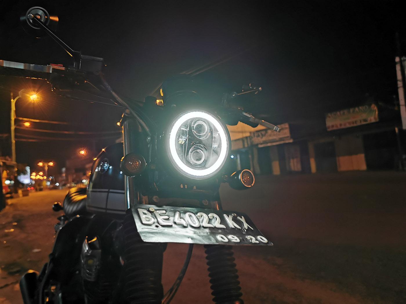 tracker custom yamaha scorpio