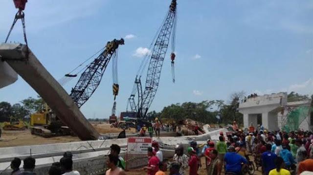 Jalan Tol Pasuruan-Probolinggo Ambruk