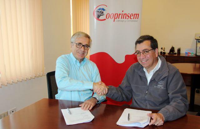 Nestlé y Cooprinsem firman convenio para fortalecer sector lácteo