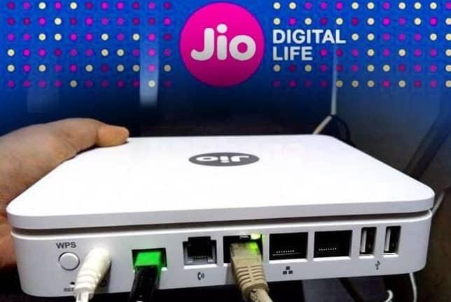 Jio Fiber Wireless Broadband: Buy Online Jio Smart Devices at Best Price in India