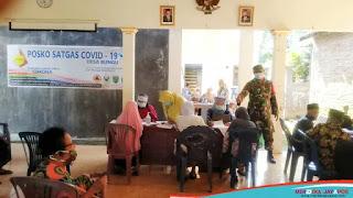 Babinsa Monitoring Jalannya Vaksinasi Sinovac Bagi Lansia