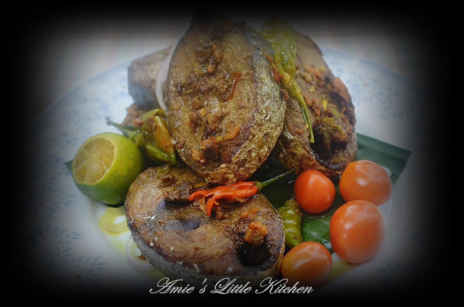 AMIE'S LITTLE KITCHEN: Ikan Kayu Goreng : Daeng Landang-Landang Mangkuk-Mangkuk