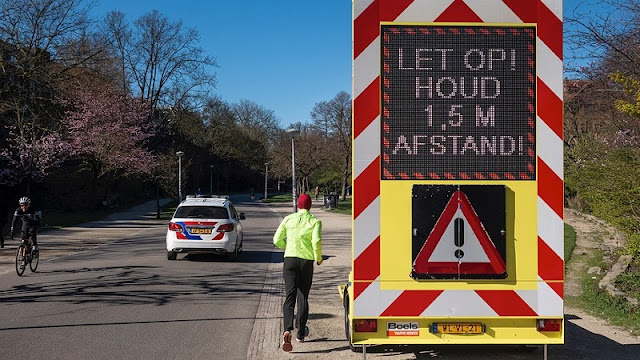 """حصيلة ضحايا ومصابي """"كورونا"""" تستمر بالانحسار في هولندا"""