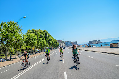 Our quality carbon road bike rental and excursions in the bay of Naples (Napoli, Southern Italy)