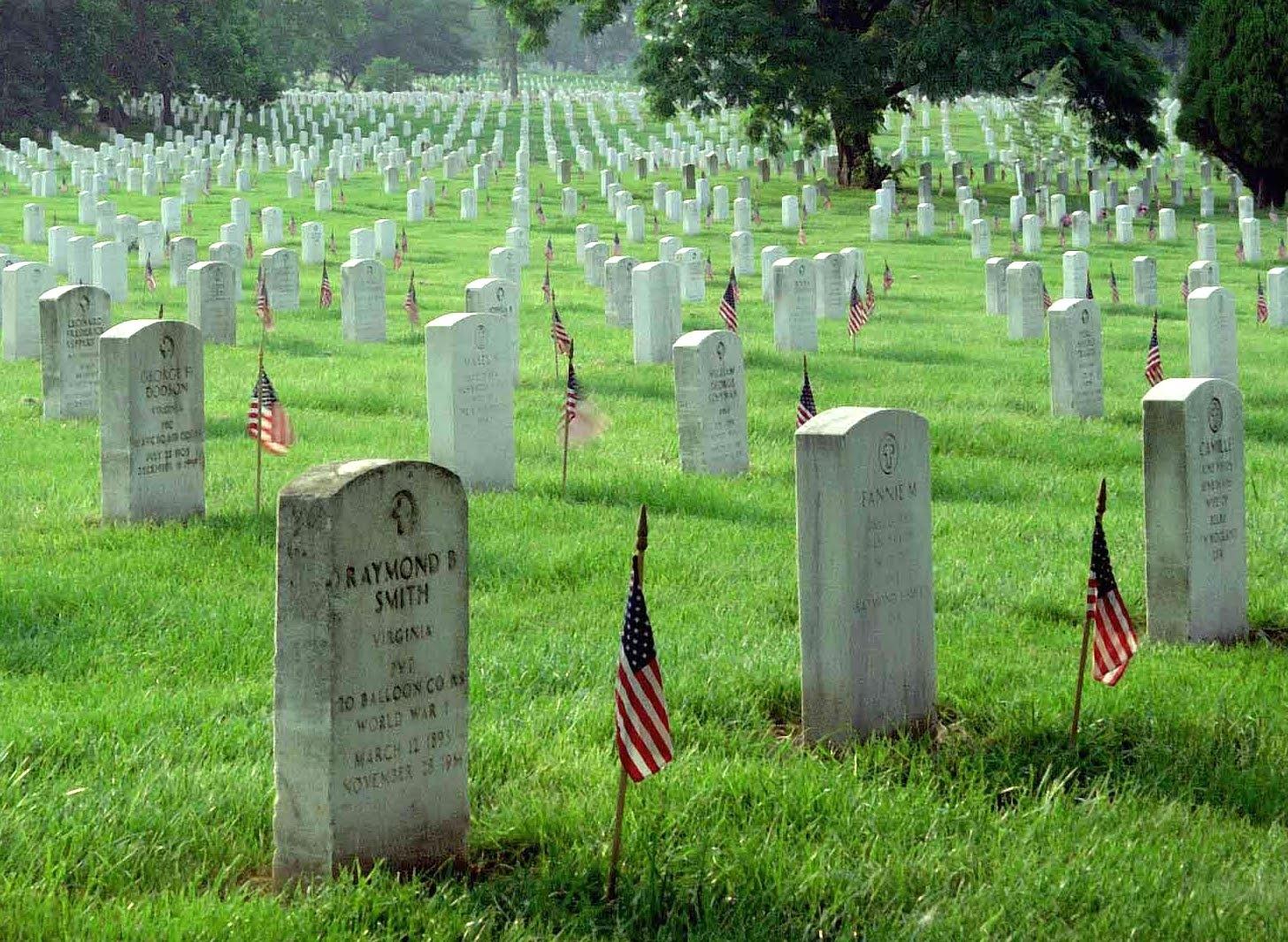 10 Biggest Graveyards Around The World