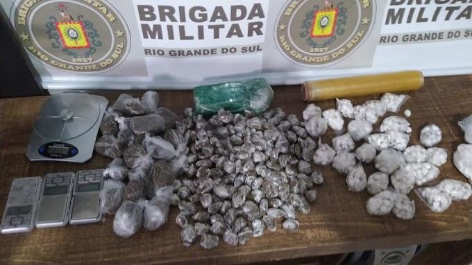 Homem é preso com mais de 850 porções de cocaína e maconha em Gravataí