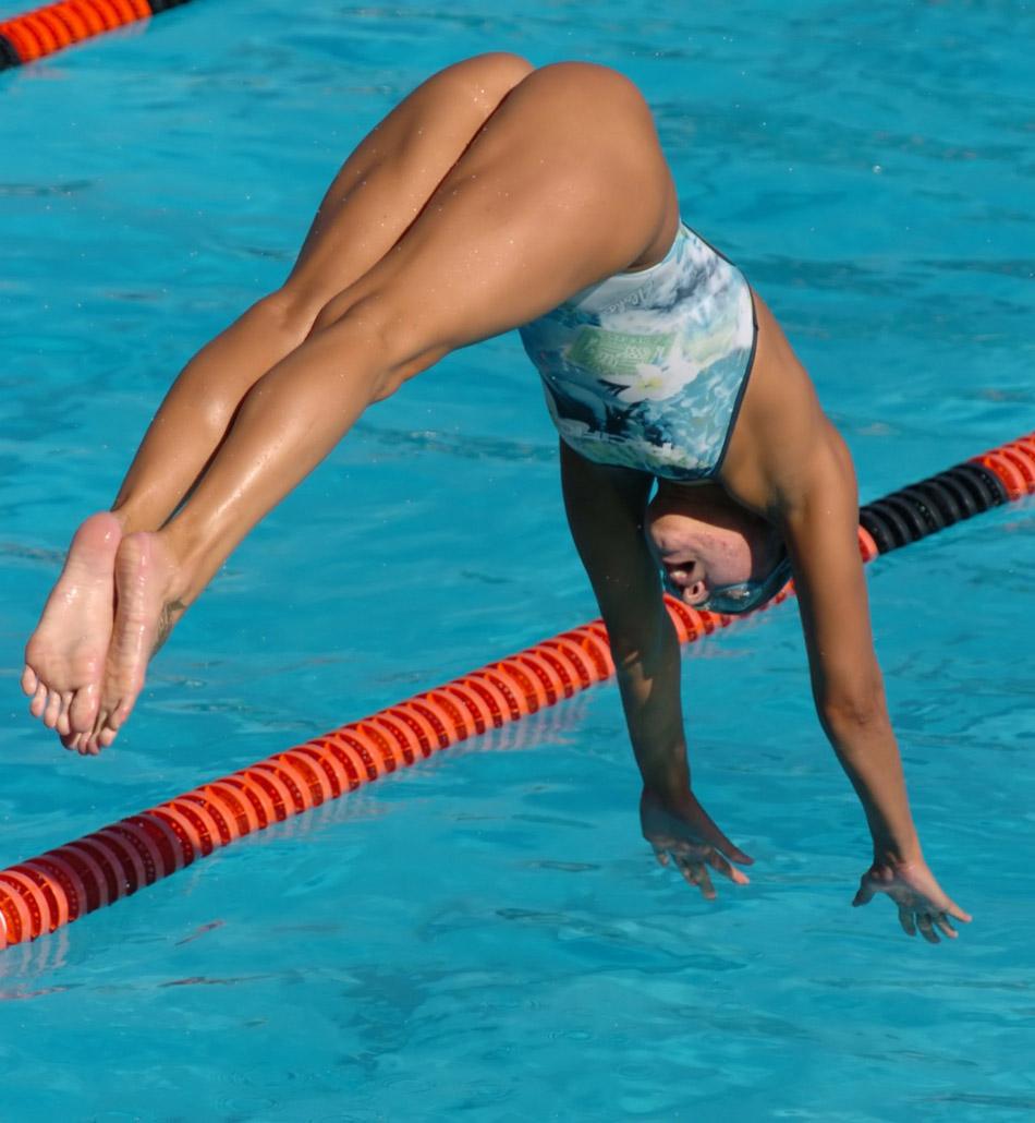 female-synchro-swimming-nude