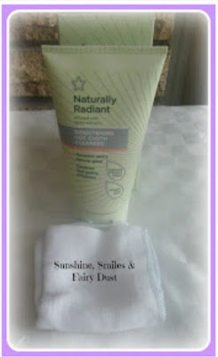 http://www.sunshinesmilesfairydust.co.uk/2015/11/review-naturally-radiant-brightening.html?m=0
