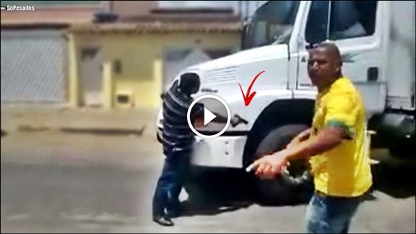 Policial SACA ARMA caminhoneiro